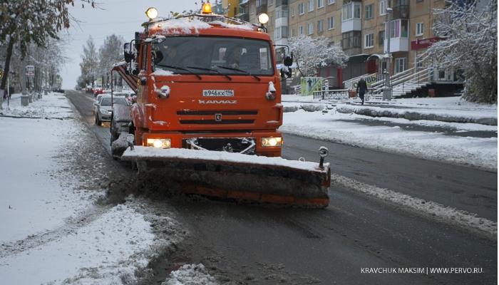 После снежного циклона город чистили в круглосуточном режиме