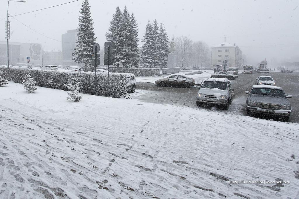ГИБДД: снегопад и гололед могут стать причиной серьезных ДТП