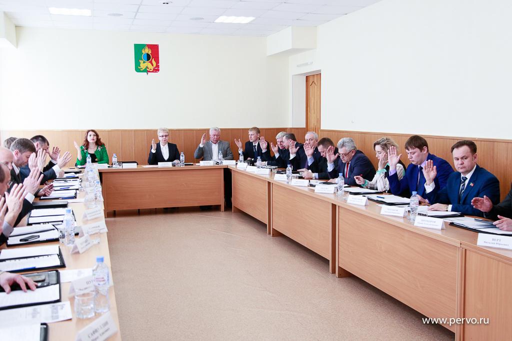 Депутаты заслушали отчет о работе теплоснабжающей компании