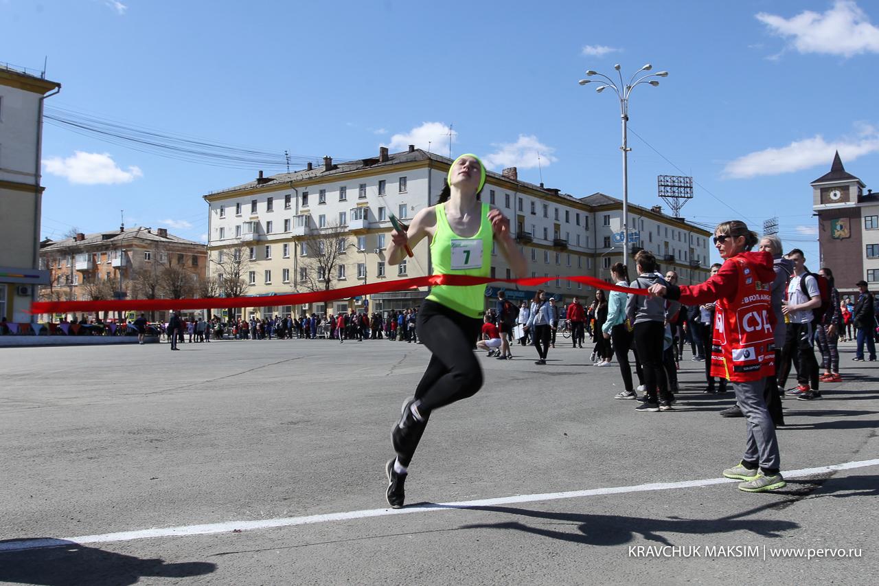 В Первоуральске прошла 84-я легкоатлетическая эстафета. Фотографии