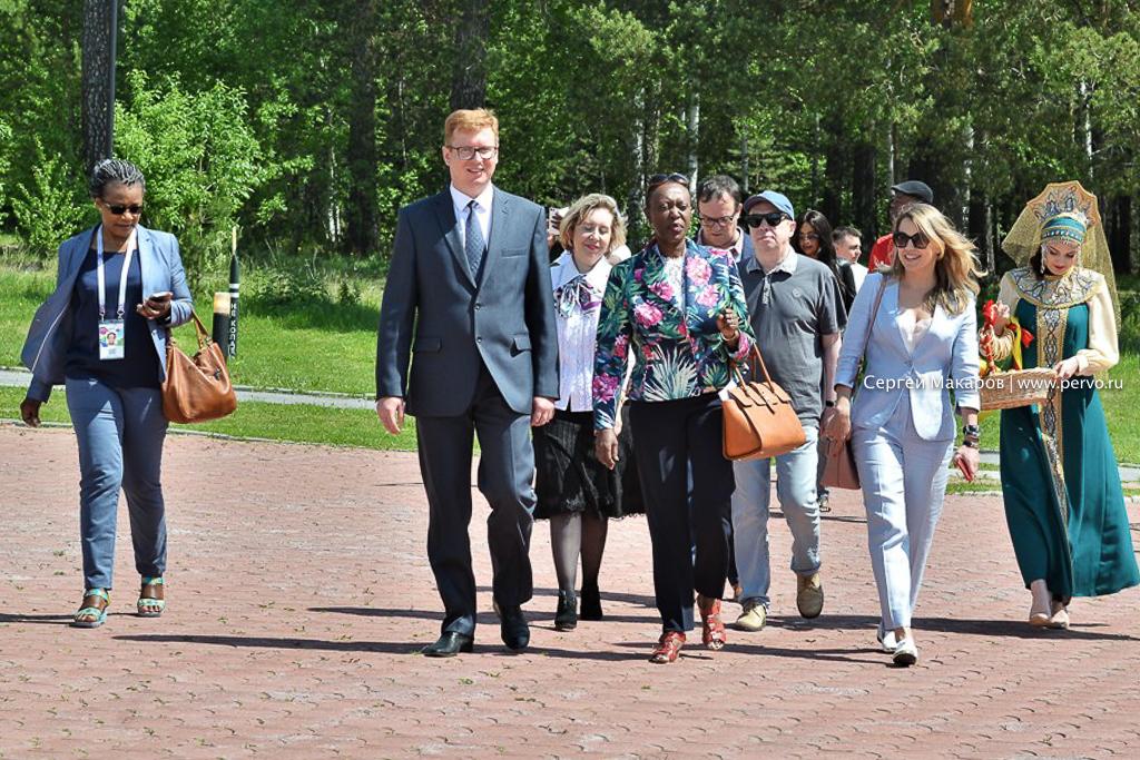 Светлана Титова провела экскурсию для делегации из Республики Бурунди