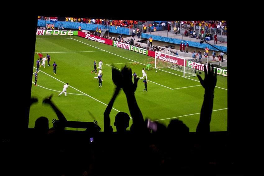 Для футбольных болельщиков в центре Первоуральска установят гигантский экран