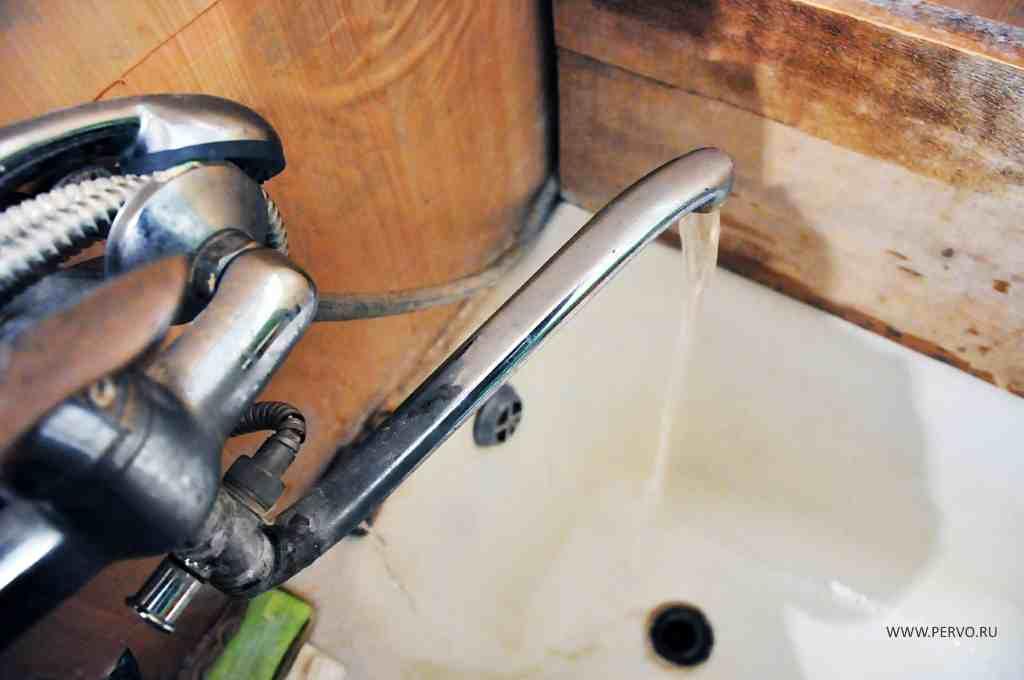 В многоквартирном доме в Слободе появилась вода
