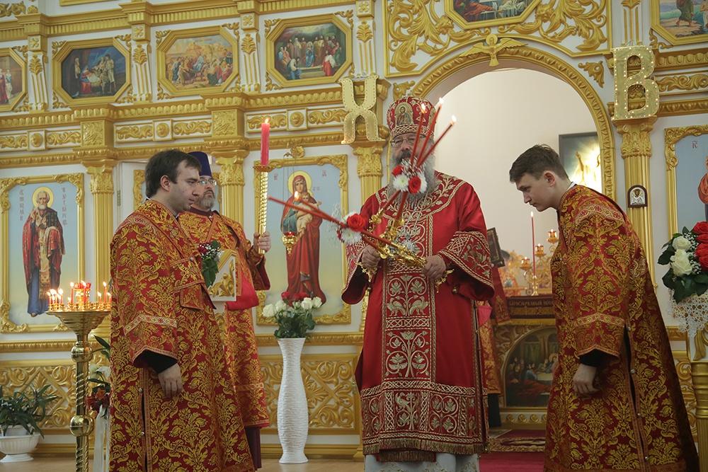 Митрополит Кирилл совершил Божественную литургию в храме Первоуральска
