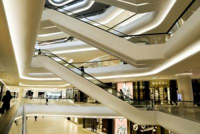 Торговые центры Екатеринбурга возобновляют свою работу вопреки указу властей. Штрафы уже не страшны