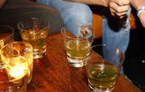 В индийском Пенджабе увеличилось число погибших от поддельного алкоголя