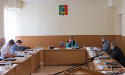 Депутаты рассмотрят 73 ходатайства о награждении Почетными грамотами