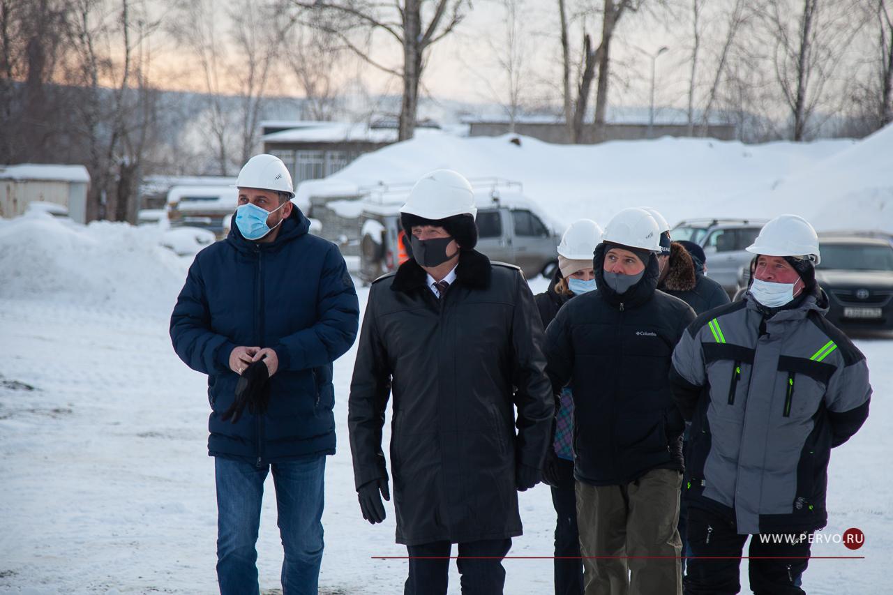 Первый заместитель министра строительства региона посетил Первоуральск