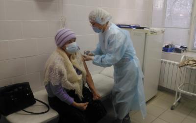 В Первоуральске стартовала массовая вакцинация от COVID-19