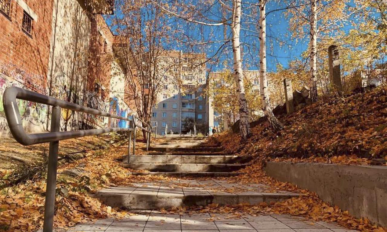 Работа по ремонту лестниц в Первоуральске продолжится