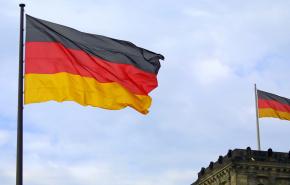 Власти Германии договорились о смягчении ограничений по COVID-19