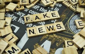 Песков пояснил, почему Путин не подписал закон о борьбе с фейками в СМИ