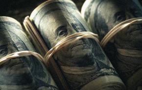 Эксперт рассказал, почему Россия не может отказаться от доллара