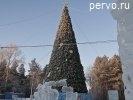 Ледовый городок Первоуральска строят в парке. Фото
