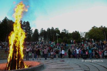 Линейка и костер дружбы открыли первую смену в ФОК «Гагаринский»
