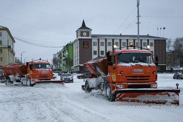Городские дорожные службы перешли на круглосуточный режим работы