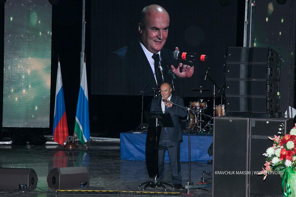 Николай Козлов поздравил новотрубниц