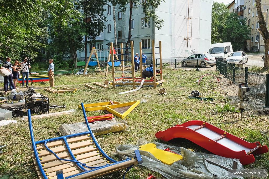 Жители настояли: во дворе будет новая площадка