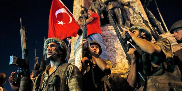 Молния: Военный переворот в Турции