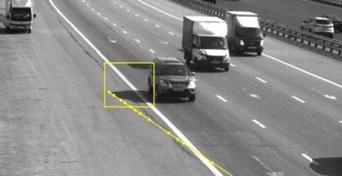 Камеры жгут: шофёр получил штраф затень отсвоего автомобиля