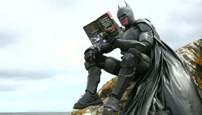 Известный костюм Бэтмена продадут саукциона