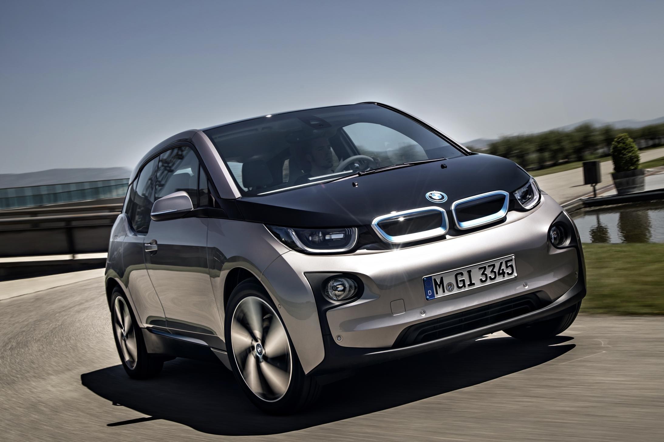 BMW представит в Женеве модель i3S на аккумуляторных батареях