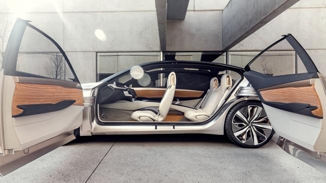 Nissan показал дизайн новых седанов на прототипе