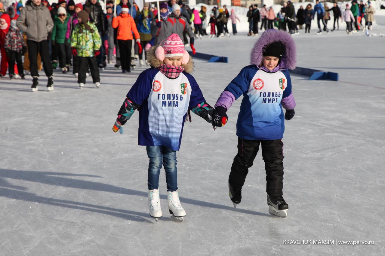 Первоуральцы выйдут на лед семьями