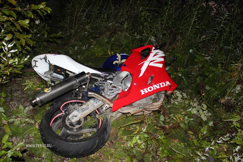 На трассе у горы Волчиха водитель фуры насмерть сбил мотоциклиста и скрылся с места ДТП