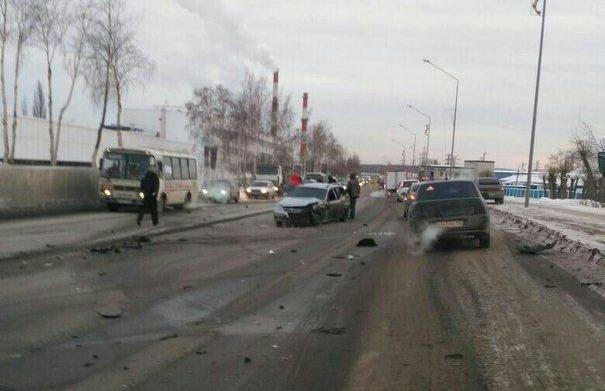 Смотрим видео жуткой аварии в Первоуральске